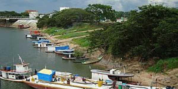 Caracaraí-RR-Barcos e Balsa no Porto-Foto:Jeav