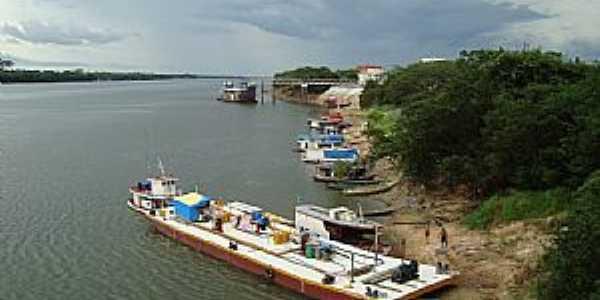 Caracara�-RR-Barcos e Balsa no Porto-Foto:Jeav