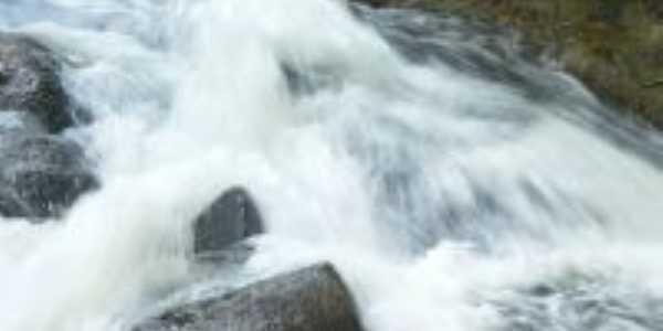 Sitio Recanto da Cachoeira, Por Rocilda Gonçalves