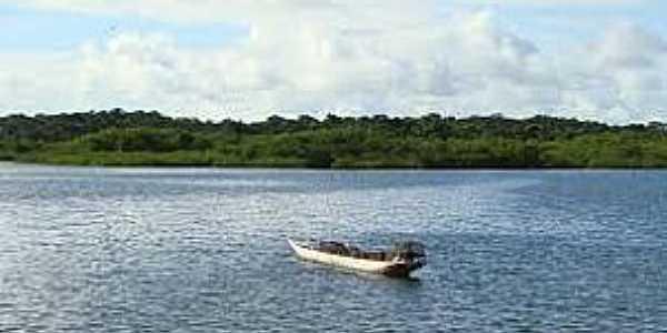 Jacuruna-BA-Barco de pesca no Rio Jaguaripe-Foto:David Fadul