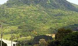 Agudo - Morro Agudo visto da Av.Concórdia em Agudo-RS-Foto:fschultz