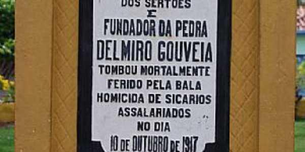 Delmiro Gouveia-AL-Detalhe da placa do Monumento � Delmiro Gouveia-Foto:RICARDO SABADIA