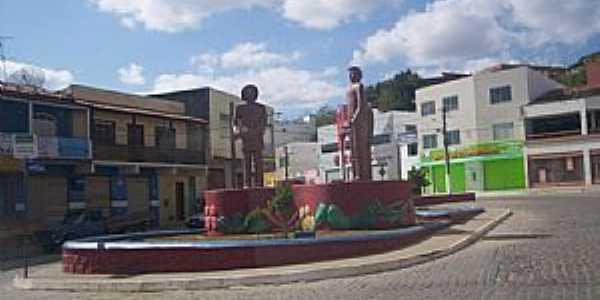 Jaguaquara-BA-Praça dos Imigrantes-Foto:edvaldobarrosse