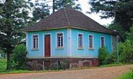 Alto Feliz - Alto Feliz-RS-Casa no Caminho para o Morro das Batatas-Foto:ANELISE KUNRATH