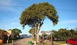 Arambaré - Arambaré-RS-Praça Chequer Buchaim-Foto:Henrique de BORBA