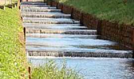 Áurea - Rio Leão canalizado em Áurea-Foto:Euzébio Skovroinski