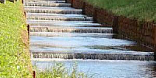 Rio Leão canalizado em Áurea-Foto:Euzébio Skovroinski