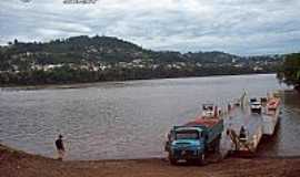 Barra do Guarita - Barca - foto Marcio Schmidt