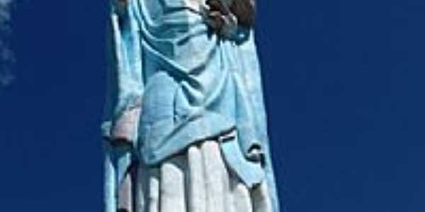 Estrutura com estátua de Nossa Senhora dos Navegantes