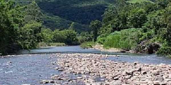 Imagens da localidade de Barra do Ouro - RS