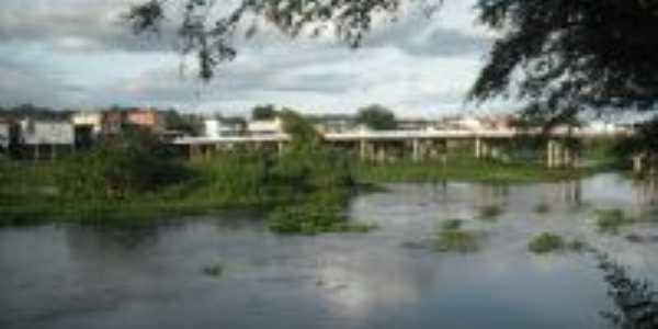 Ponte que separa Ipiaú de Japomirim, Por Adriano Sacramento
