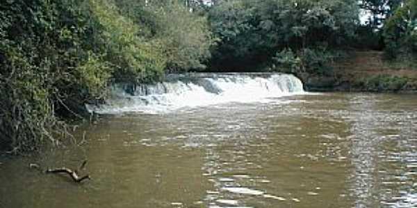Boa Vista do Incra-RS-Cachoeira do Rio Ingaí-Foto:www.boavistadoincra.rs.