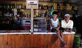 Bojuru - João Claudino de Souza vive do seu mercado e da pesca profissional Foto: Bruno Alencastro / Agencia RBS