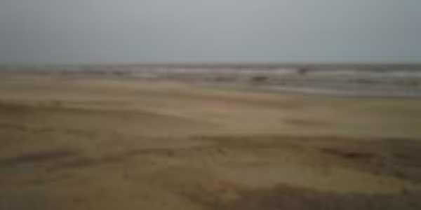 Praia em dia chuvoso, Por Gilberto Etges