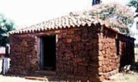 Bossoroca - Galpão de pedra cupim (senzala)