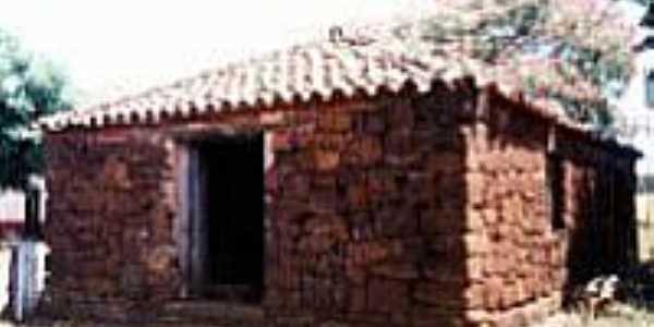 Galpão de pedra cupim (senzala)
