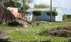 Dois Riachos - Dois Riachos-AL-Igreja junto à Pedra de Padre Cícero-Foto:Luiz Sávio de Almeida.