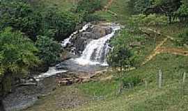 Jiquiri�� - Uma das in�meras cachoeiras do Rio Jiquiri�a em Jiquiri�a-BA-Foto:Pedrojmf