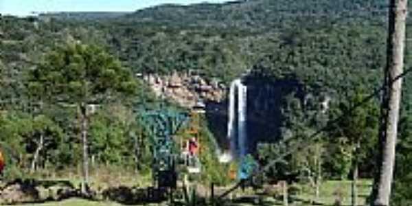 Canela-RS-Teleférico e ao fundo Cachoeira do Caracol-Foto:PatrickMaboni