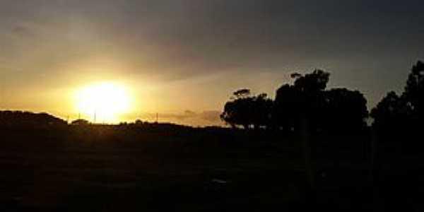 Capão Comprido-RS-Lindo nascer do sol-Foto:Viviane Ribeiro