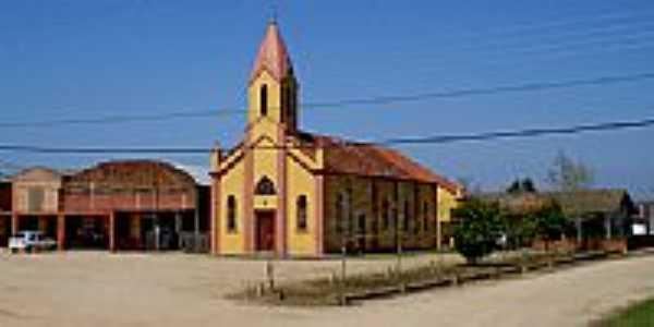 Praça e Igreja em Capão da Porteira-Foto:Paulo Lilja