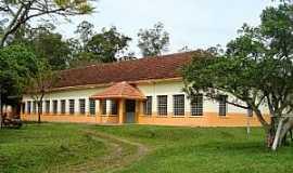 Capela de Santana - Capela de Santana-RS-Centro Estadual de Educação Profissional Visconde de São Leopoldo-Foto:fatonovo.com.br