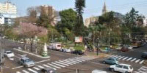 Foto feita da sacada da Prefeitura, Av. Flores da Cunha, Por Crédito: FERNANDA SCHENA