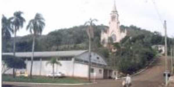 Centro Comunitário e a majestosa Igreja de Carlos Gomes, Por Pedro Martim Kokuszka