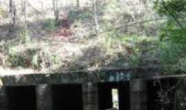 Cerro Largo - Tunel  Ferroviário c/6 galerias e 41 metro de extenção s/ o riacho Santa Barbara - Cerro Largo - RS, Por Ricardo Perim