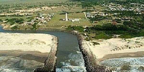 O Arroio Chuí é um pequeno curso d'água localizado na fronteira entre o Brasil e o Uruguai,