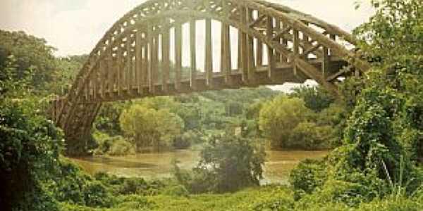 Clara-RS-Ponte Ferroviária sobre o Rio Toropia Vila-Foto:Colvero