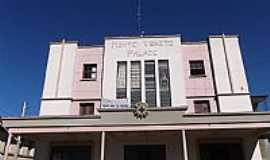 Cotiporã - Cotiporã-RS-Antigo prédio no centro da cidade-Foto:Adao Wons