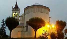 Cotiporã - Cotiporã-RS-Imagem ao amanhecer da Matriz de N.Sra.da Saúde-Foto:Adao Wons