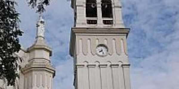 Cotiporã-RS-Torres da Matriz de N.Sra.da Saúde-Foto:Adao Wons