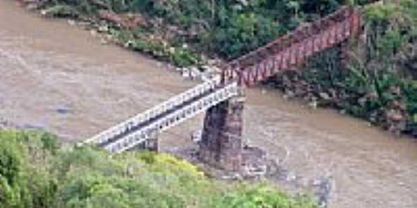 Criúva-RS-Ponte do Korff sobre o Rio das Antas-Foto:Roque Oliveira
