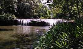 Dois Irm�os - Primeira Cascata da Reserva Fam�lia Lima em Dois Irm�os-RS-Foto:Archimedes