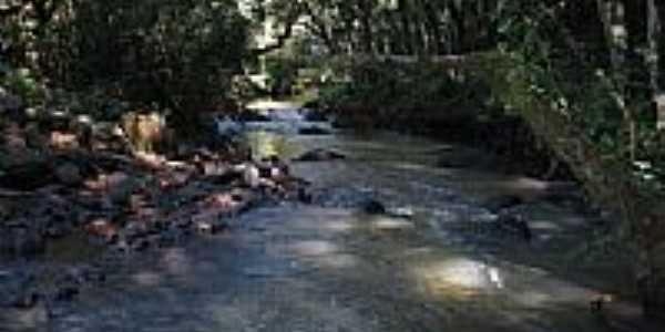 Cachoeira do Bressan-por sfalena