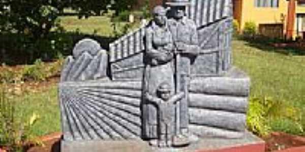Monumento em homenagem à Roque Gonzales em Dona Otília-Foto:jberwaldt