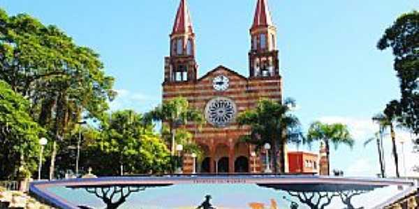 Encantado-RS-Matriz de São Pedro-Foto:Elaine A. Fachinetto