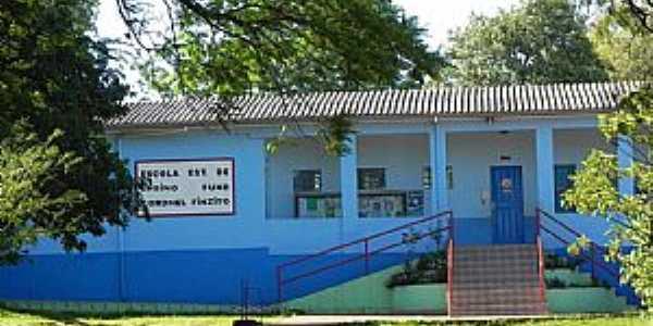 Escola Estadual de Ensino Fundamental Coronel Finzito  Erval Seco / RS - Fotos por Sandra Ziech