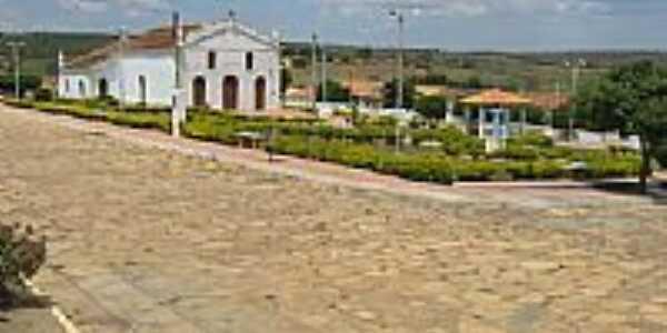 Igreja e Praça em Lagoa Clara-BA-Foto:Marcio Vaz Cardoso