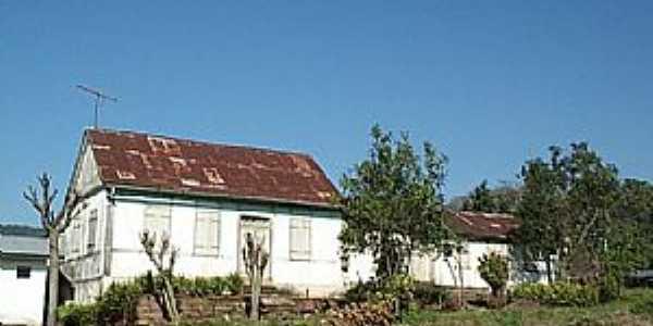 Feliz-RS-Casa na Localidade de Escadinhas-Foto:www.terracams.com.br