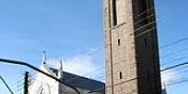 Igreja de N.Sra.de Lourdes e Torre de Pedra em Flores da Cunha-Foto:Mica Chemello
