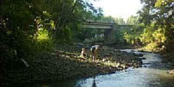 Ponte em Formosa-Foto:Rattoxodo