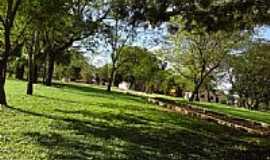 Garruchos - Praça-Foto:Denilson Ortiz Lopes