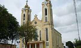 Gaurama - Igreja, por Auri Brandão.
