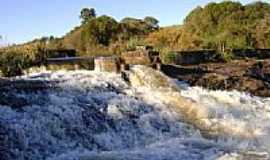 Gentil - Cachoeira no Rio Quatipi em Gentil-Foto:dado5450