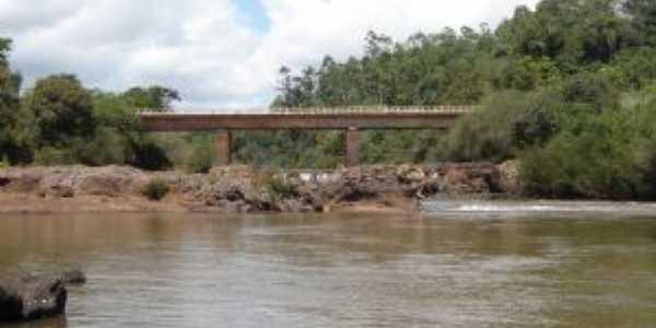 cascata do buricá - rio buricá, Por Tomas Augusto Trein