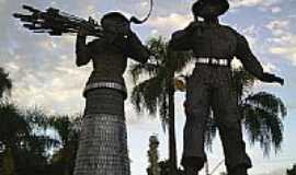 Ibirubá - Monumento ao Imigrante-por Iris
