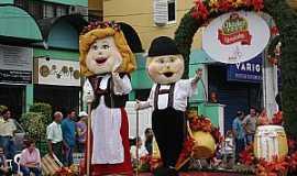 Igrejinha - Igrejinha-RS-Desfile da Oktoberfest-Foto:pt.wikipedia.org